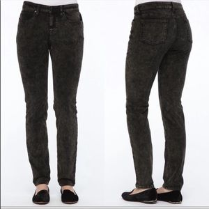 🆕Eileen Fisher Black Velvet Jeans 6